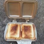 キャンプでおすすめの朝食は?ホットサンド!?ラスク!?