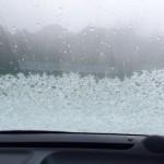 車のフロントガラスが凍るのを防止する方法と対策!熱湯はかけていいの?