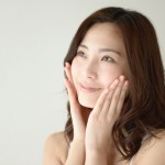 花粉症の肌荒れで化粧水が痛いときの対策とおすすめの化粧水5選